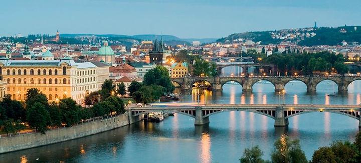 Paras hinta kohteesta Helsinki kohteeseen Praha